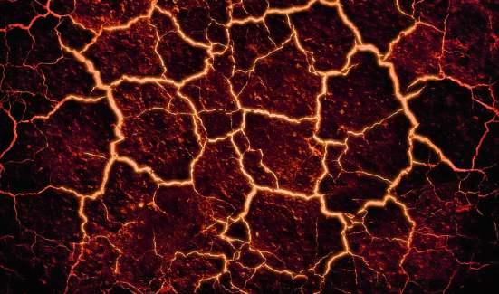 Una imagen de la lava solidificándose, apreciándose las líneas aun fluidas entre las placas solidas. https://i1.wp.com/cdn.pixabay.com/photo/2015/03/03/01/51/lava-656827_1280.jpg?resize=551%2C325&ssl=1  https://pixabay.com/es/users/arcturian-551946/