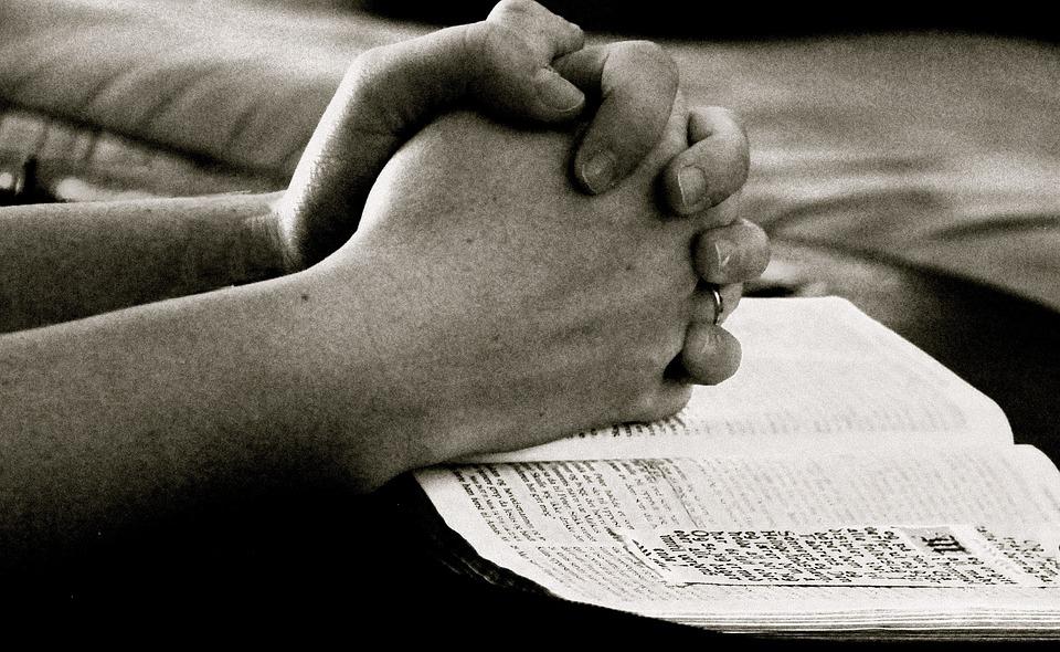 """Résultat de recherche d'images pour """"prière seul"""""""