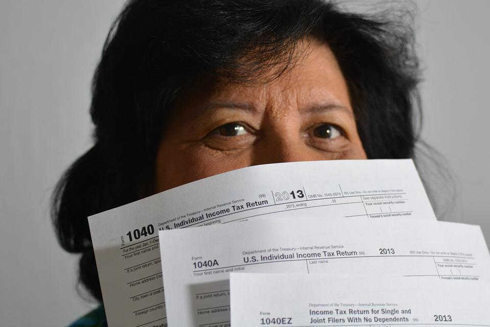 Taxes, Bills, 1040, Woman, Incomes, Tax, Fees