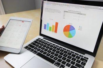 importancia de la contabilidad de costos  Business, Working, Laptop, Macbook, Ipad