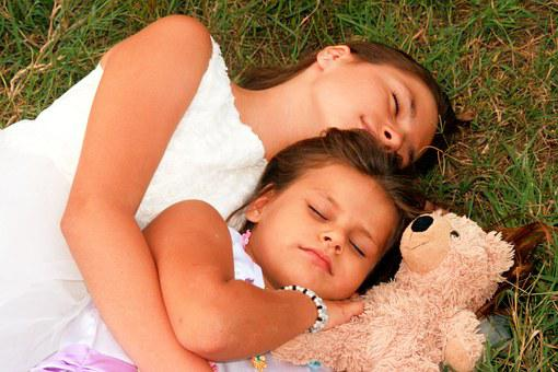 sisters 929172  340 - 【寝る前に必読】人は寝る前に考えた通りの人間になる