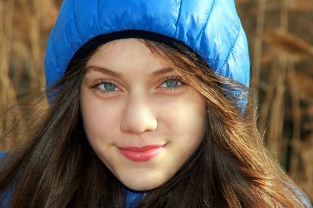 Gadis Mata Biru Berkerudung - Foto gratis di Pixabay