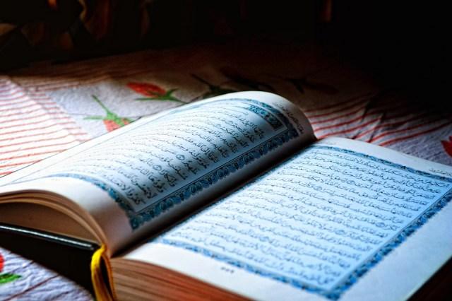 Sagrado Corán, Ramadán, Santa, Mes, Libro Abierto