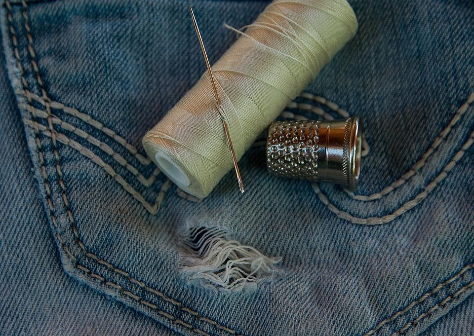 Pantalon, Jean, Vieux, Usé, Trou, Couture, Aiguille