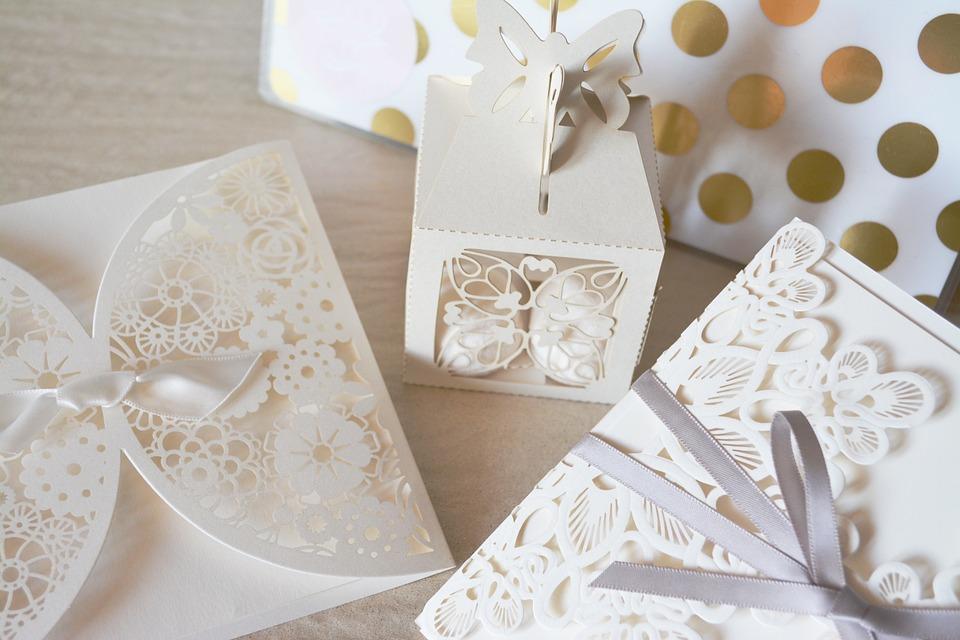 wedding 1760024 960 720 - 【会費婚のマナー】ご祝儀を頂いたらお礼を。※カタログギフトはNG