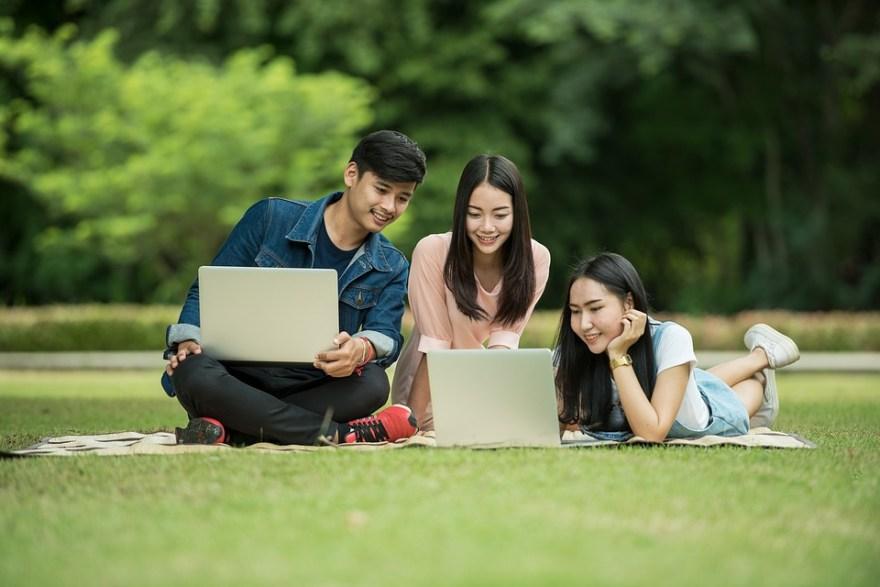 学生がたくさんいる女性にオススメしたいマッチングアプリ