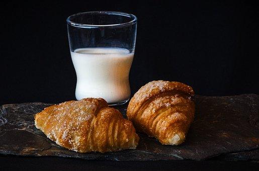 朝食, ミルク, クロワッサン, ロールパン, ケーキ, ペストリー
