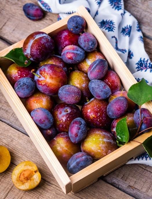 Plum, Scatola, Frutta, Vitamine, Giardino, Cibo