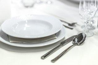 Recepción De La Boda, Banquete, Vajilla