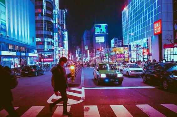 日本, 大阪, 歩行者, 交差点, 横断歩道, トラフィック, 通り, 街の通り, 点灯, 街の灯