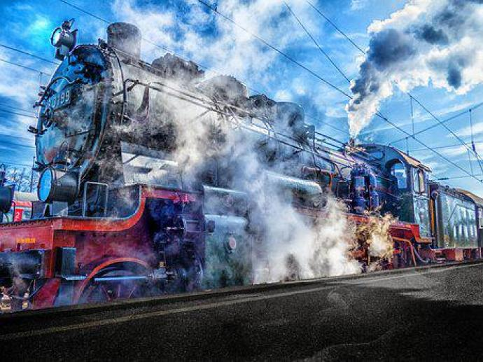 Tren, Demiryolu, Tren Istasyonu Trenin Tarihçesi