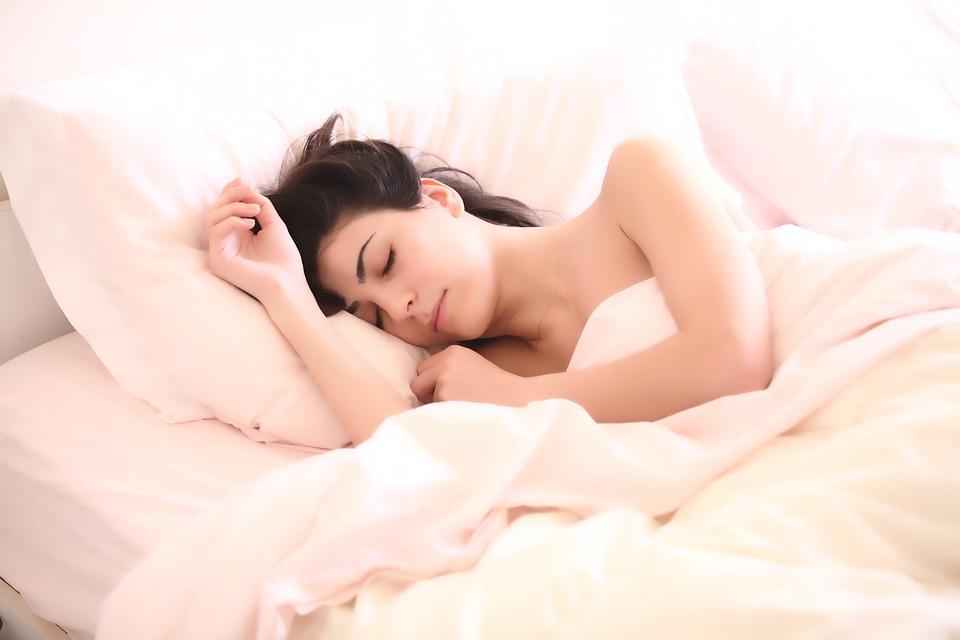 女性, 眠っています, 女の子, 睡眠, 夢, 顔, 若い女性, 枕, 毛布, ベッド, ベッドルーム