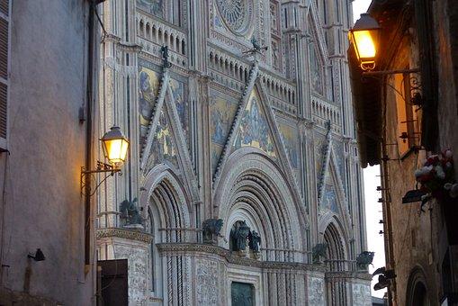 Orvieto, Domul, Arhitectura, Italia