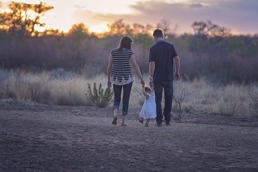 家庭, 父母, 母亲, 父亲, 蹒跚, 生活, 晚上, 走, 生活方式, 女儿