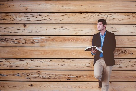 人, 男, だけで, 読書, 本, 聖書, 茶色の予, 茶色の図書, 茶色の読み, 茶色のみ, 茶色の聖書