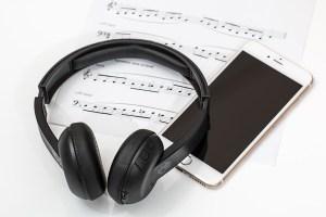 Écouteurs Bluetooth et téléphone intelligent