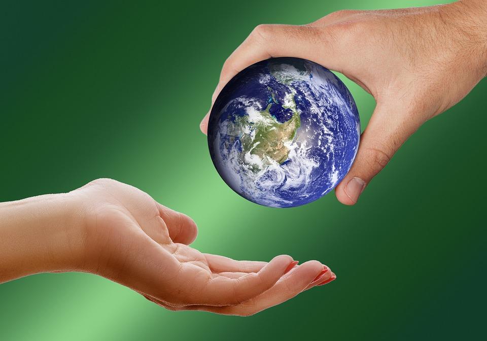 世界, 地球, グローブ, 維持, 与える, 取る, パス, ボール, プレゼンテーション, 提供します