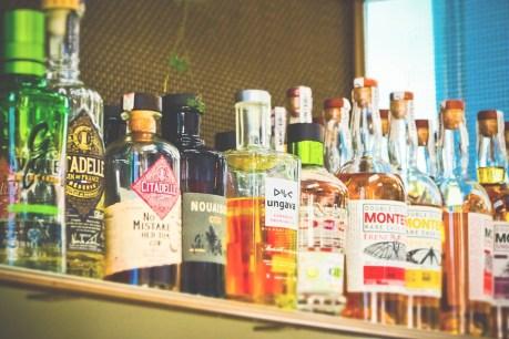 ボトル, アルコール, ドリンク, 飲物, ガラス, バー, レストラン, 棚, 混合ドリンク, カクテル