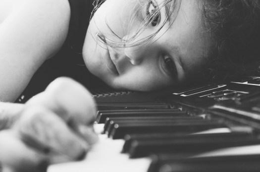 Pianoforte, Ragazza, Ascolta, Tutorial, Bianco E Nero