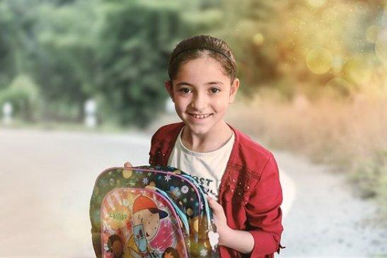 Συρίας Κορίτσι, Σχολείο, Παιδί