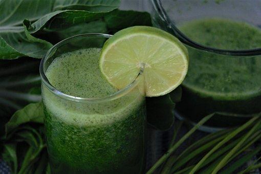 green-juices-3871293__340 Combata o colesterol alto com este poderoso suco caseiro