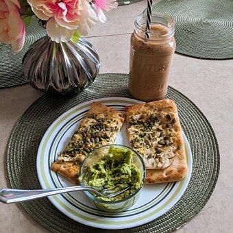 guacamole-flat-bread