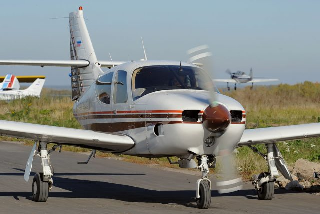commander 112 taxiing 640x429 - Six Light Single-Engine Planes They Totally Need to Bring Back!