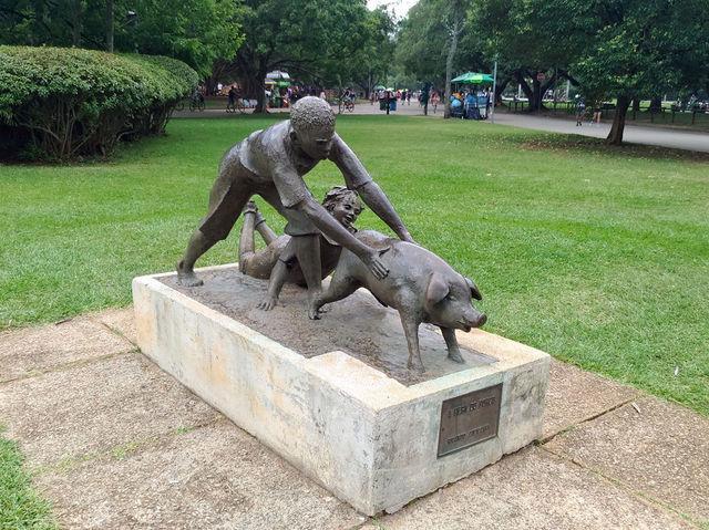A cena de brincadeira infantil criada por Ricardo Cipicchia foi inaugurada no início da década de 1950.