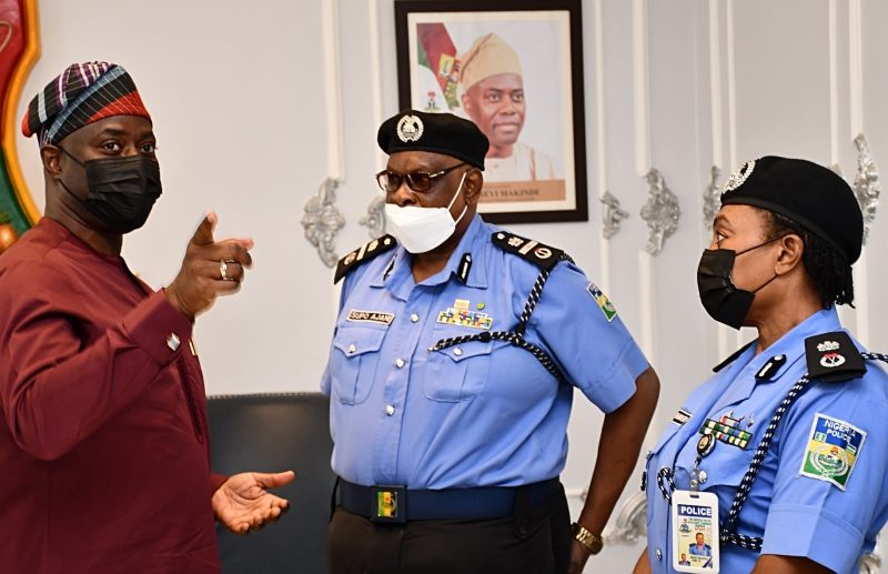 From left, Oyo State Governor, Seyi Makinde; Assistant Inspector General of Police in charge of Zone XI, Olasupo Ajani Babatunde and the Commissioner of Police, Oyo State Command, Ngozi Onadeko, during the AIG's courtesy visit to the Governor's Office, Secretariat, Ibadan.