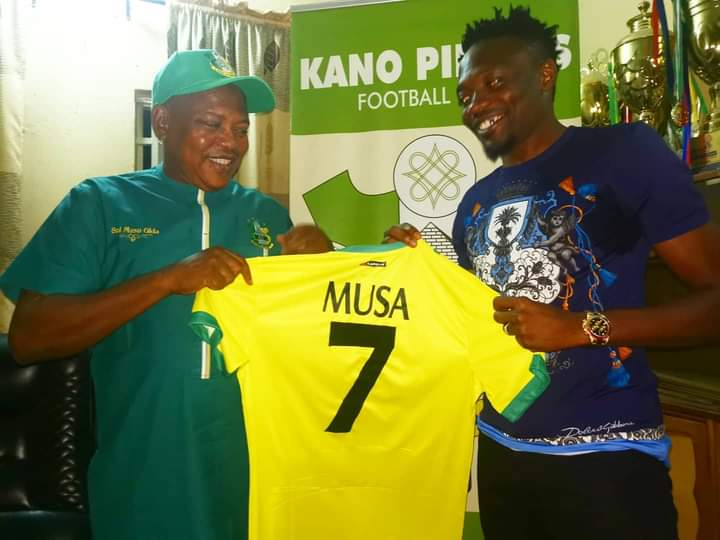 Ahmed Musa, right signs for Kano Pillars on a short term deal