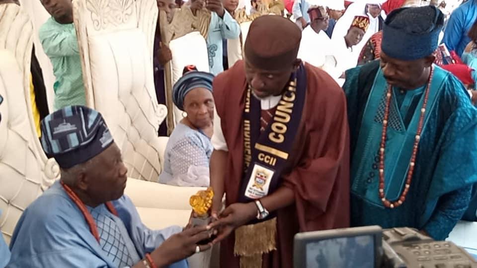 Rochas Okorocha being awarded by Olubadan