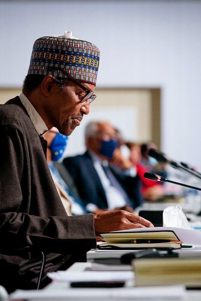 Buhari speaks in Paris