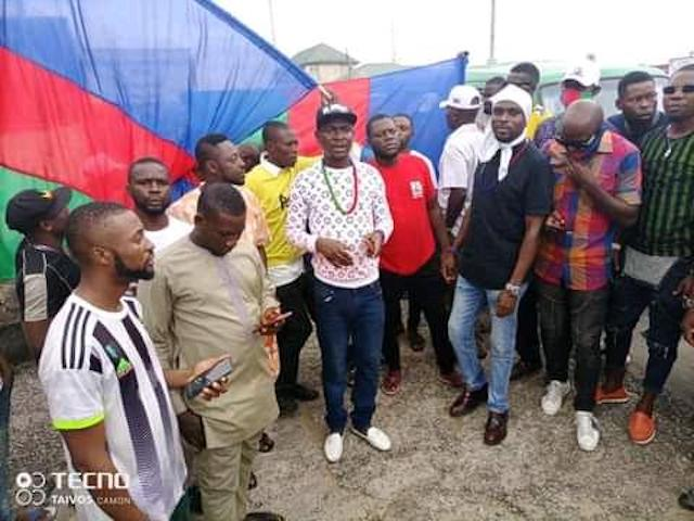 Ijaw Youth Council members block East West Road