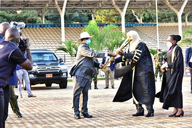 Museveni, left with Speaker Jacob Oulanyah and deputy speaker Anita