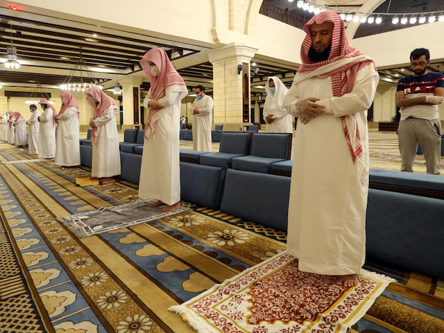 Saudi shuts mosque after  Imam tests positive for COVID-19