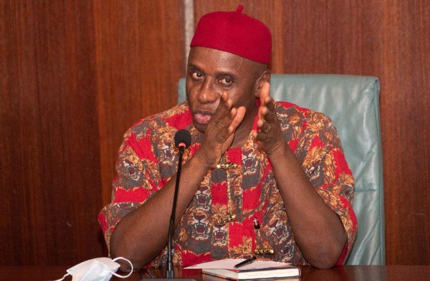 Transport Minister Rotimi Amaechi says FG installing ant-theft rail clips