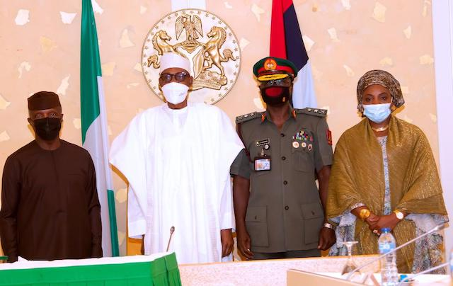 VP Osinbajo, Buhari, Yahaya and his wife Salamatu