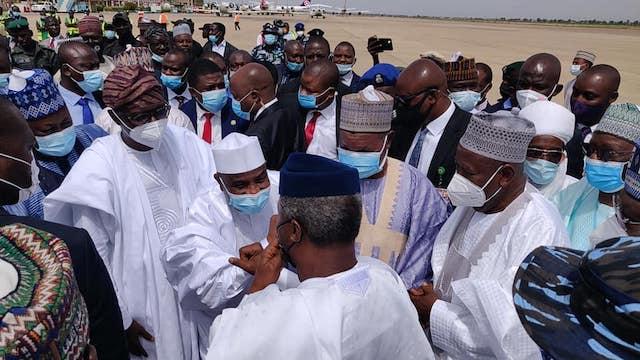 VP Osinbajo with Aminu Tambuwal and Sanwo-Olu arriving for Emir Bayero's coronation