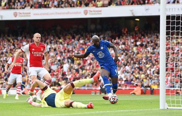 Lukaku scores for Chelsea against Arsenal