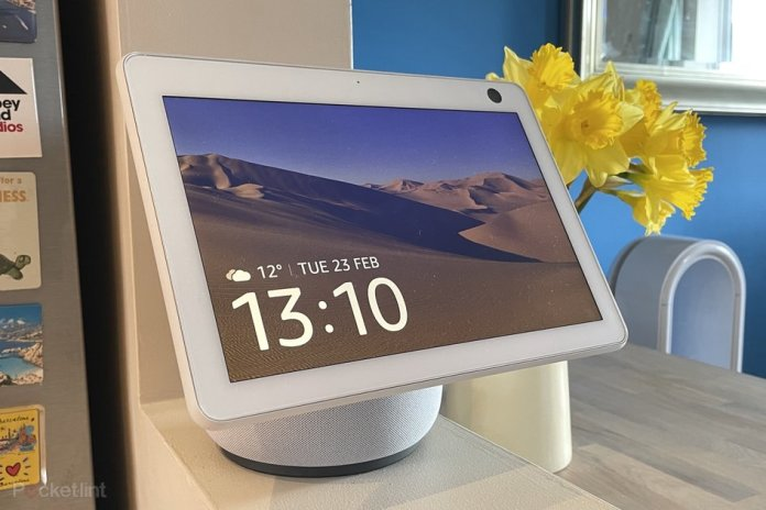 Echo Show 10 Review I M Spinning Around Move Out Of My Way