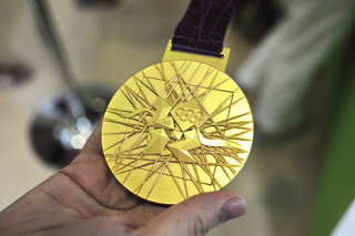 London 2012 Olympic gold medal pictures and hands-on