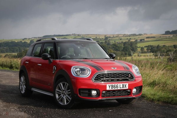 Mini Cooper SD Countryman (2017) review: Mighty ...