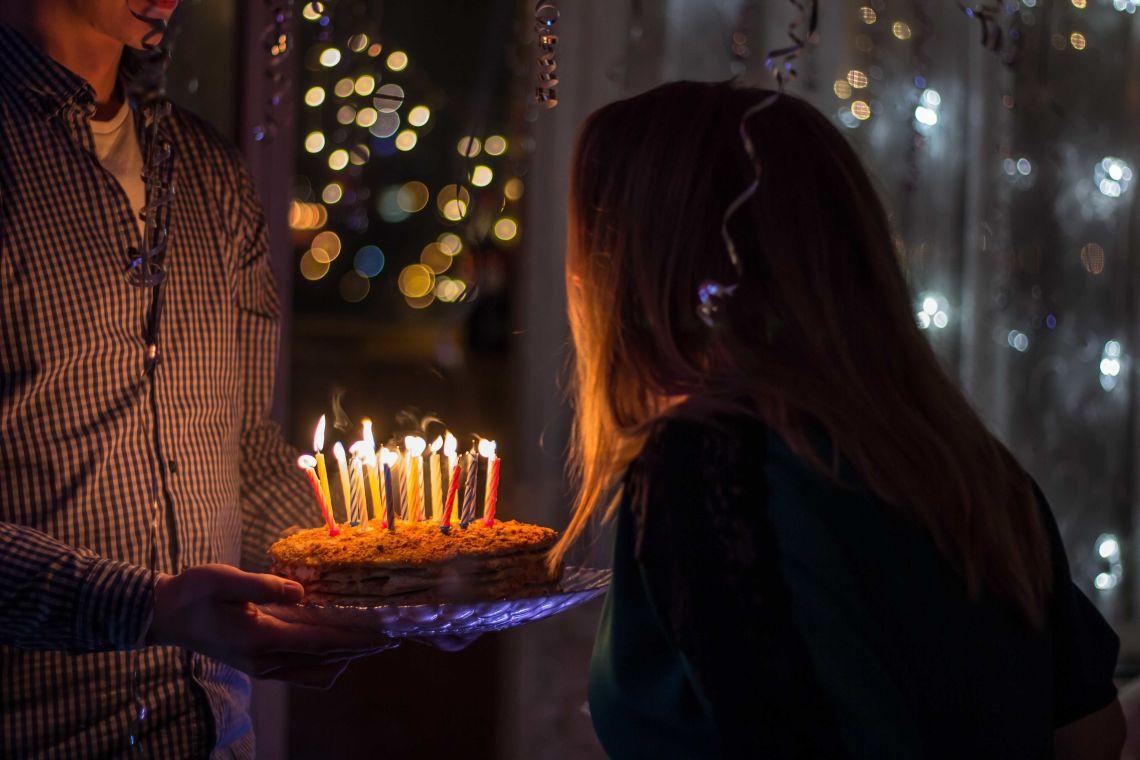 25 Doa Ulang Tahun Untuk Sahabat Tersayang Yang Berkesan