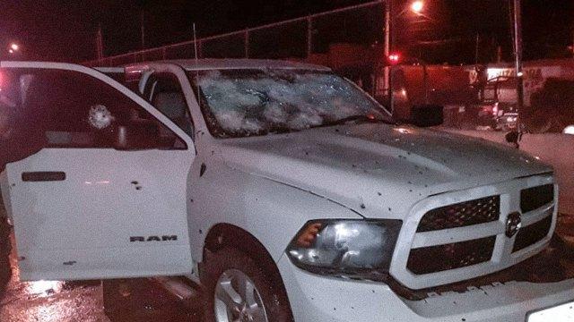 Camioneta del director de policía de Celaya luego del atentado que sufrió a manos de integrantes del Cártel de Santa Rosa de Lima.