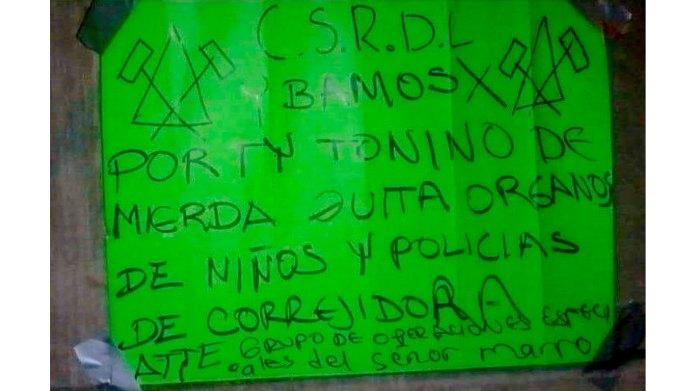 Cartulina dejada por el CSRL amenazando al CJNG por incursiones realizadas por los jaliscienses en el municipio de Corregidora, Qro. El mensaje fue dejado junto a los cadáveres de 5 personas ejecutadas en el municipio de Apaseo el Grande, Guanajuato y encontradas el pasado 14 de diciembre. Foto de redes sociales.