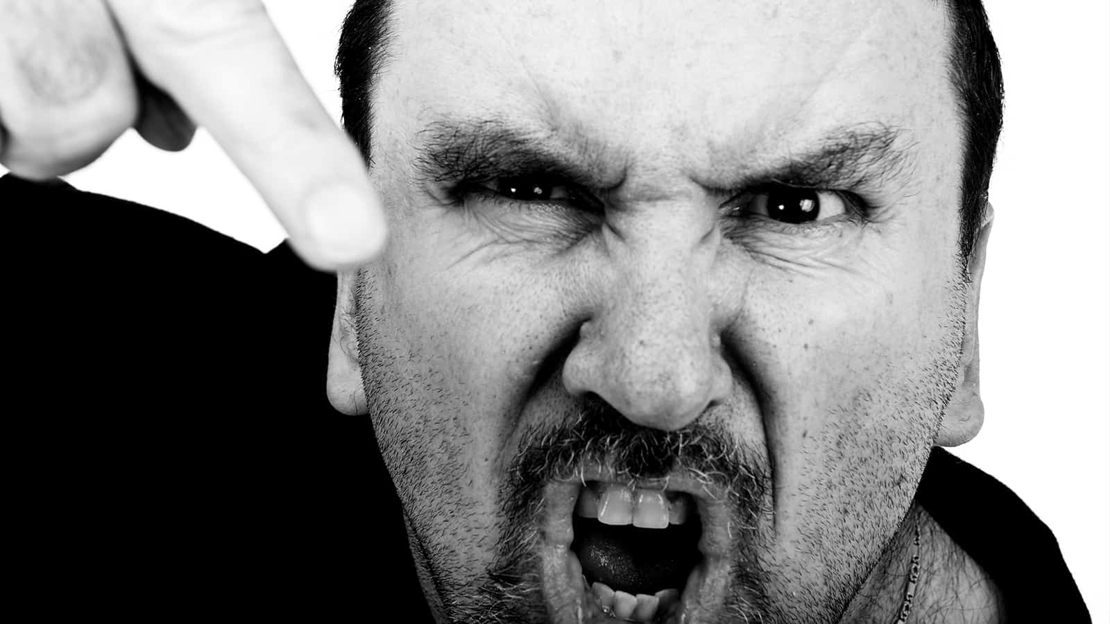 10 Signs Of A Verbally Abusive Relationship Most People Ignore