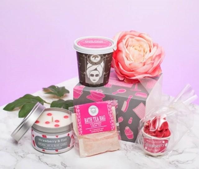 Strawberries Cream Pamper Pack