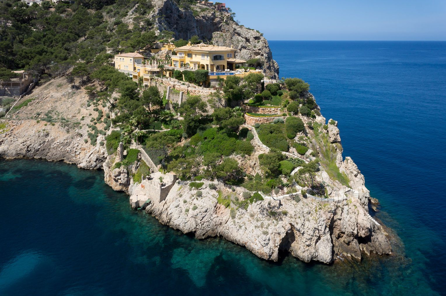castillo mallorca maschmeyer hat kaufer fur villa auf mallorca manager magazin