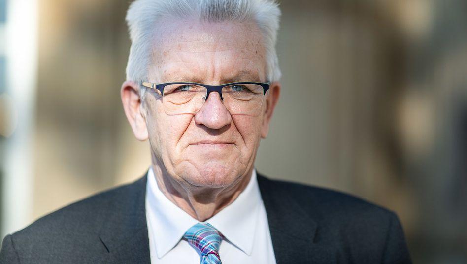 winfried kretschmann gruner ministerprasident schutzt dieselfahrer der spiegel