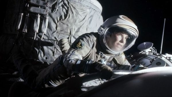 German Astronaut Fact Checks Gravity Starring Sandra ...